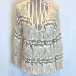 Free People oversized v-neck sweater size small